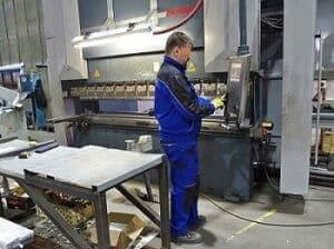 CNC ohraňovací lis na Besta Trade